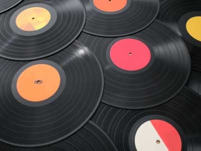 recycled-vinyl-record-crafts-1